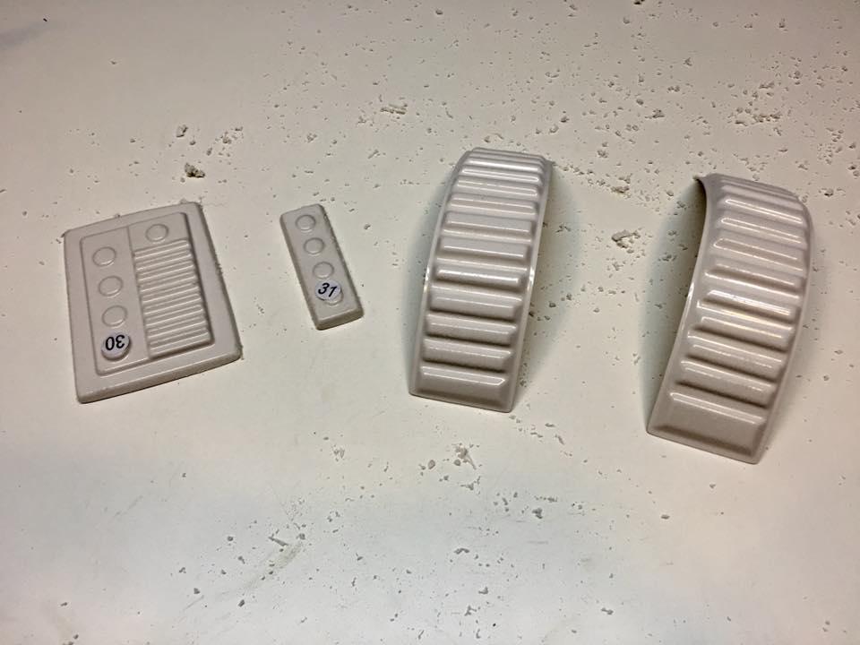Ab Buttons & Shoulder Straps